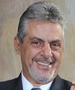 Miguel Mafi Headshot