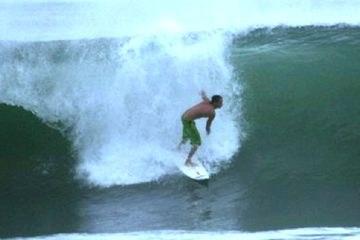 Surfing in Puntarenas Quepos