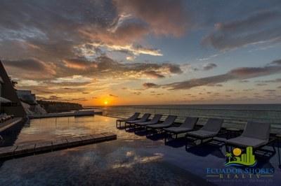 Manta Ocean View Condo - Beach Life