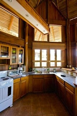 Casa Jungle Kitchen1